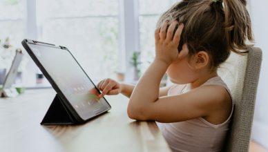 prevenir les jeunes enfants des risques liés aux écrans